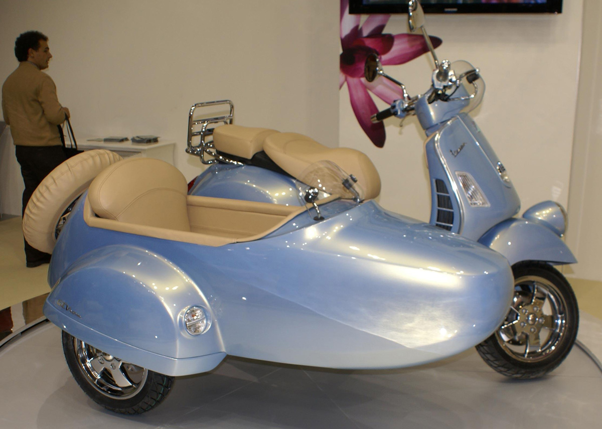 Modern Vespa Sidecar