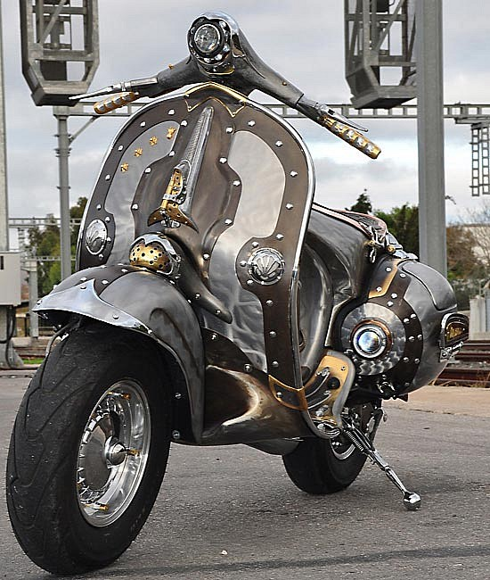 The Guardian A Custom Vespa By Cris Cofitis Scooterfile