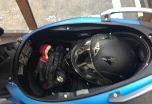 What can you fit in the C 600's smaller underseat storage? Flexcase down, XXL modular and plenty of room leftover for gear.