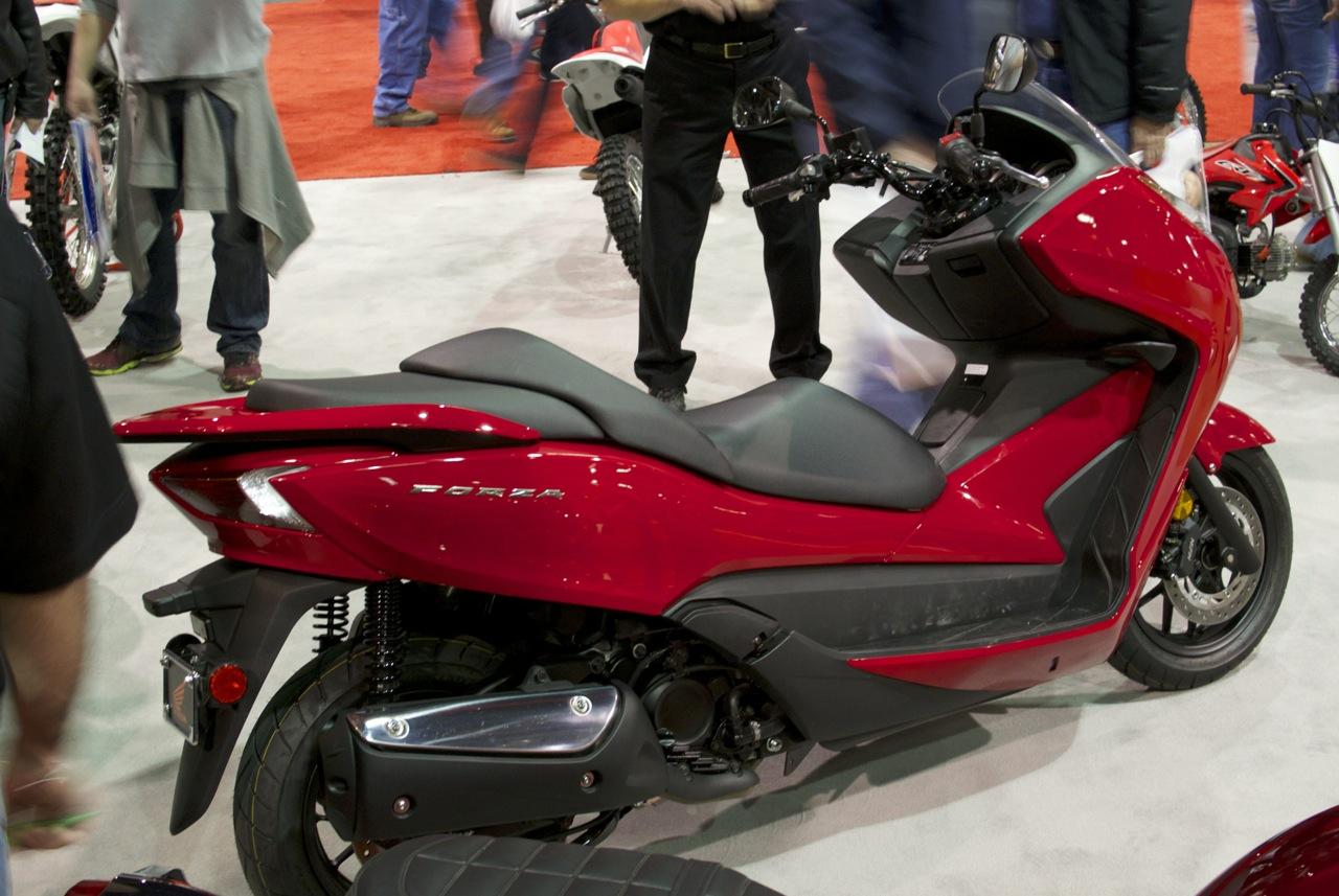 Honda Forza 300 14