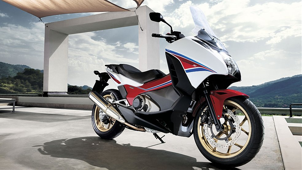 honda grows the integra to 750cc for 2014 scooterfile. Black Bedroom Furniture Sets. Home Design Ideas