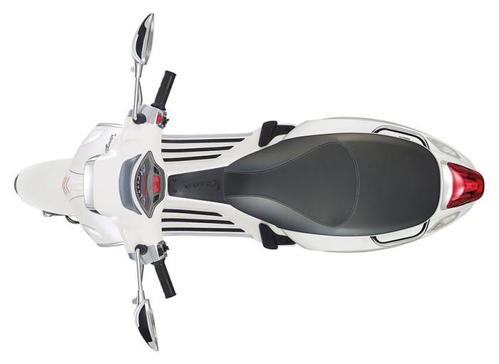 015-Vespa-Sprint-125