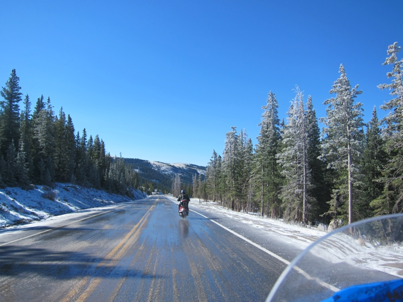Slow_going_over_ice_and_slush_in_Hoosier_Pass.JPG