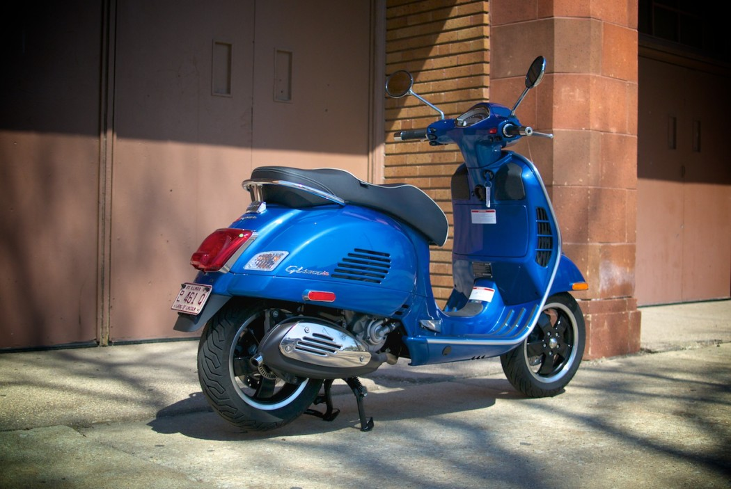 ask sf buy a vespa gts 300 now or wait for the gts 350 scooterfile. Black Bedroom Furniture Sets. Home Design Ideas