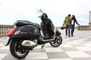Review: Vespa GTS 300 ABS by Just Gotta Scoot